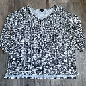 J Jill Wearever Collection White Black Print Top M